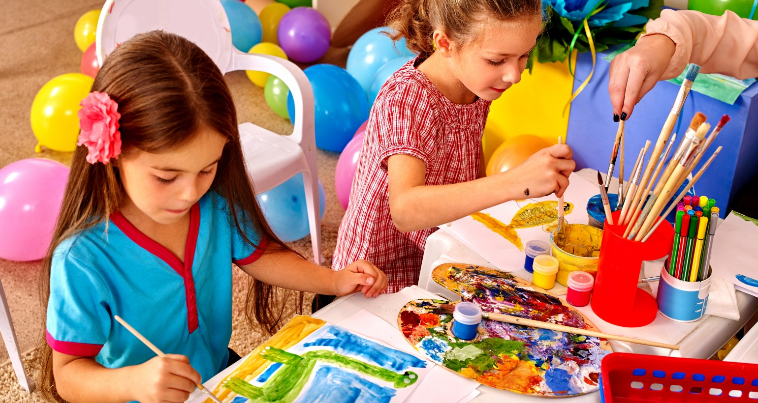 CHILDREN'S ART CLASSES – Tues – Sat