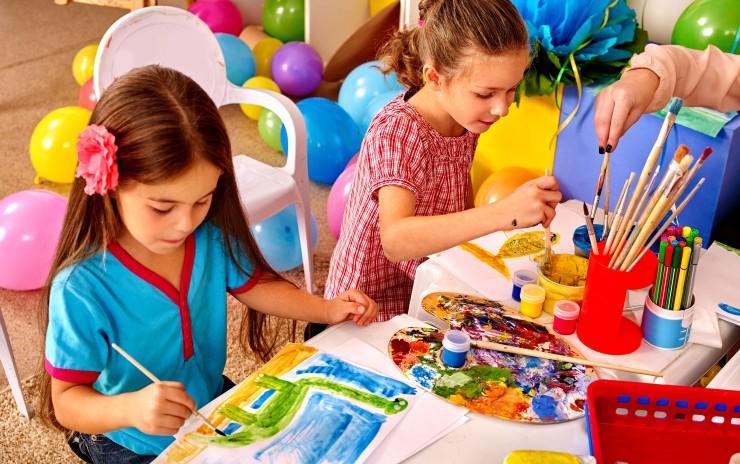 CHILDREN'S ART CLASSES – Tues – Sat